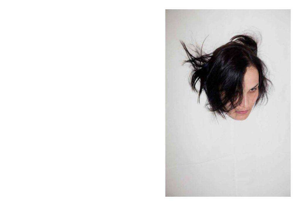 12_06-VivianeSassen-Roxane29_Page_24