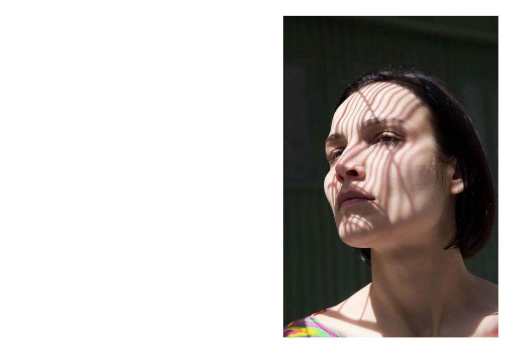12_06-VivianeSassen-Roxane29_Page_30